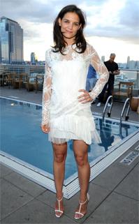 kathie-holmes-robe-blanche-dentelle